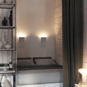 Спальное место в общей комнате квартиры