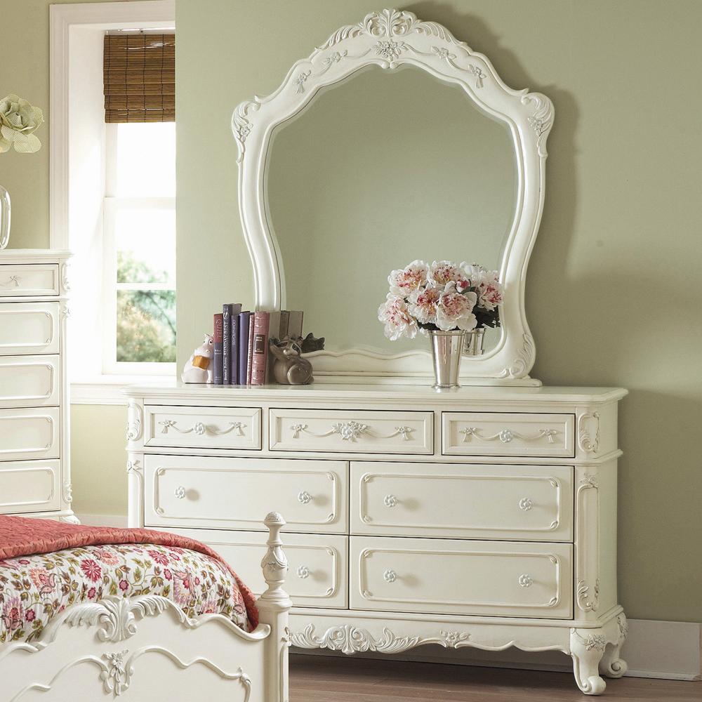 белый комод с зеркалом в спальню