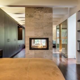 камин в интерьере квартиры варианты декора