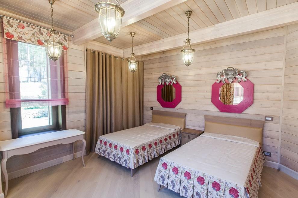 Деревянная обшивка стен детской комнаты в стиле кантри