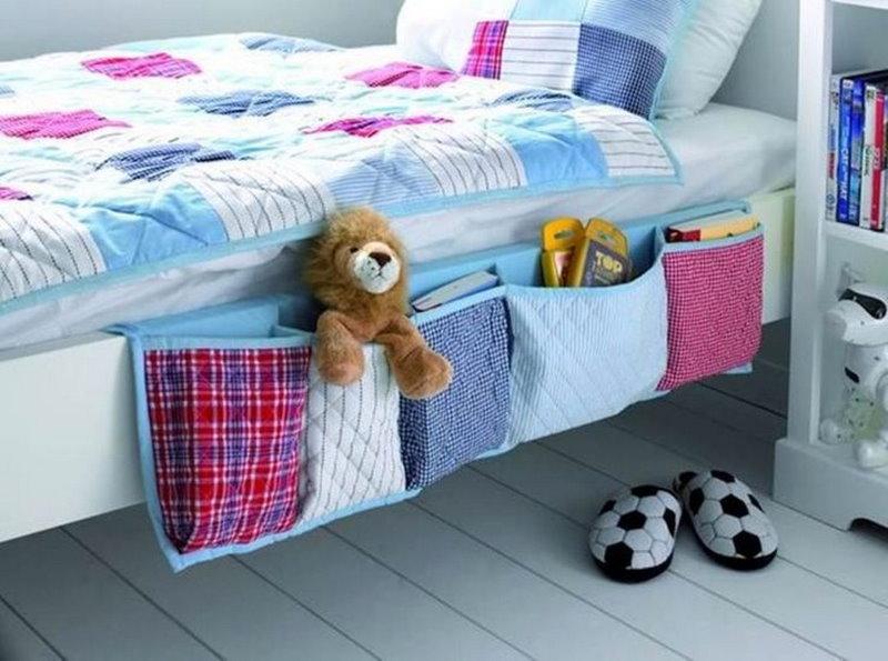 Кармашки из ткани на детской кроватке
