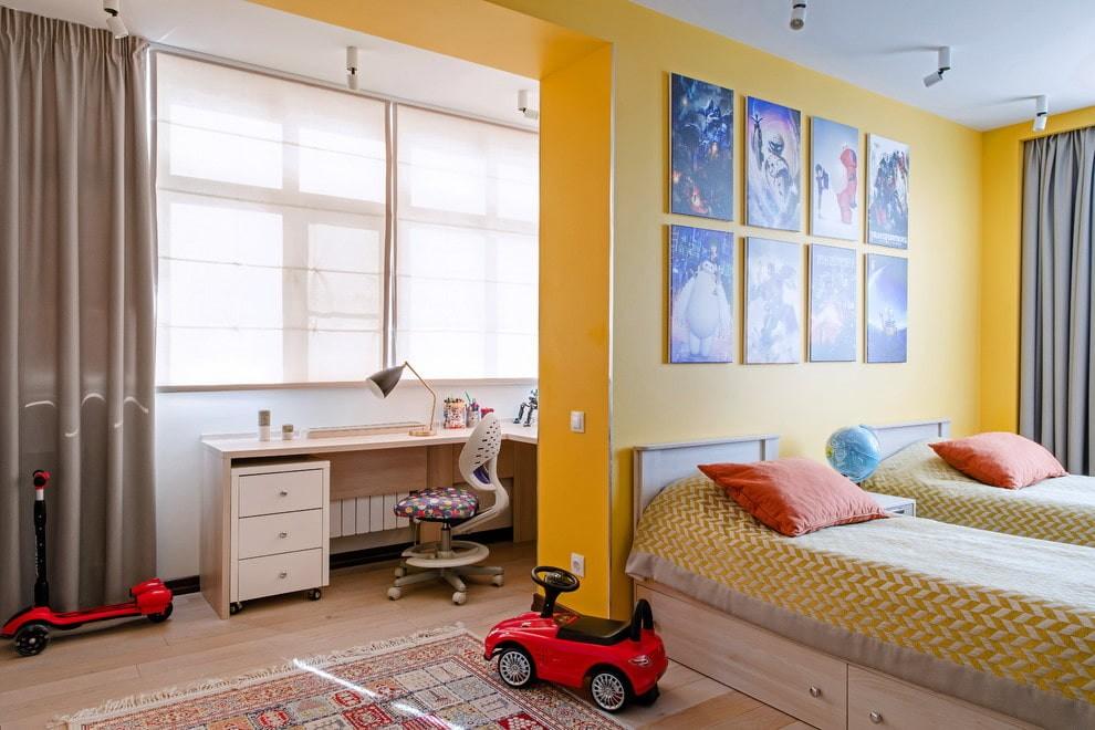 Декор картинами комнаты для детей разного возраста