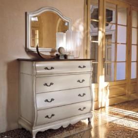 комод с зеркалом для спальни интерьер фото