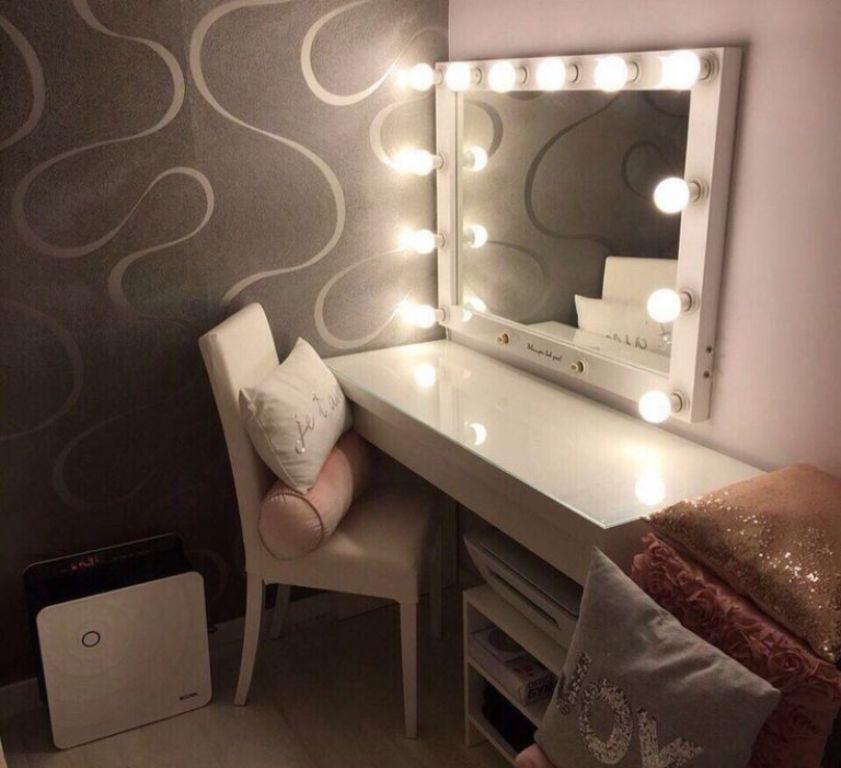комод с зеркалом и подсветкой