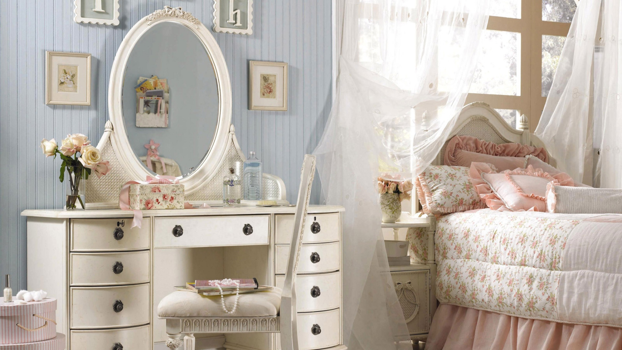 комод с зеркалом в спальню