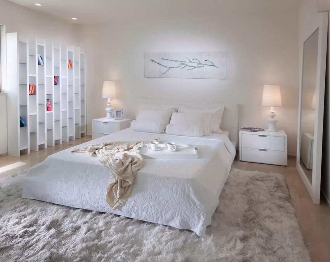 белый пушистый ковер в спальню