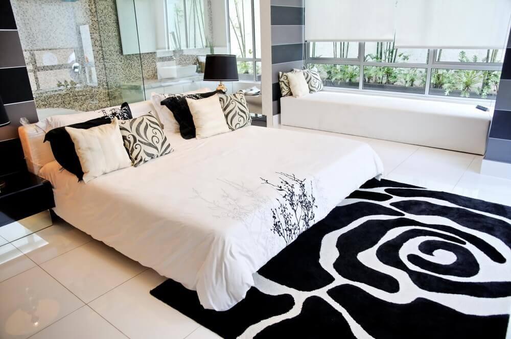 ковер в спальню черная роза