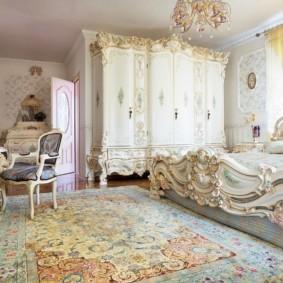 ковер в спальню барокко