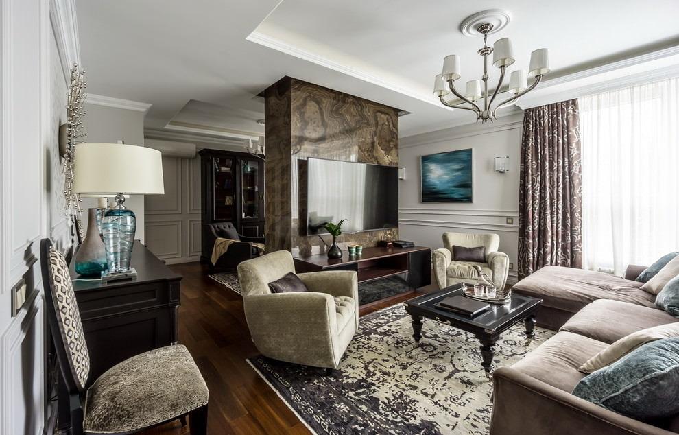 Качественная отделка гостиной в городской квартире