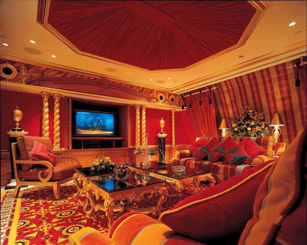 красивый дизайн гостиной в восточном стиле