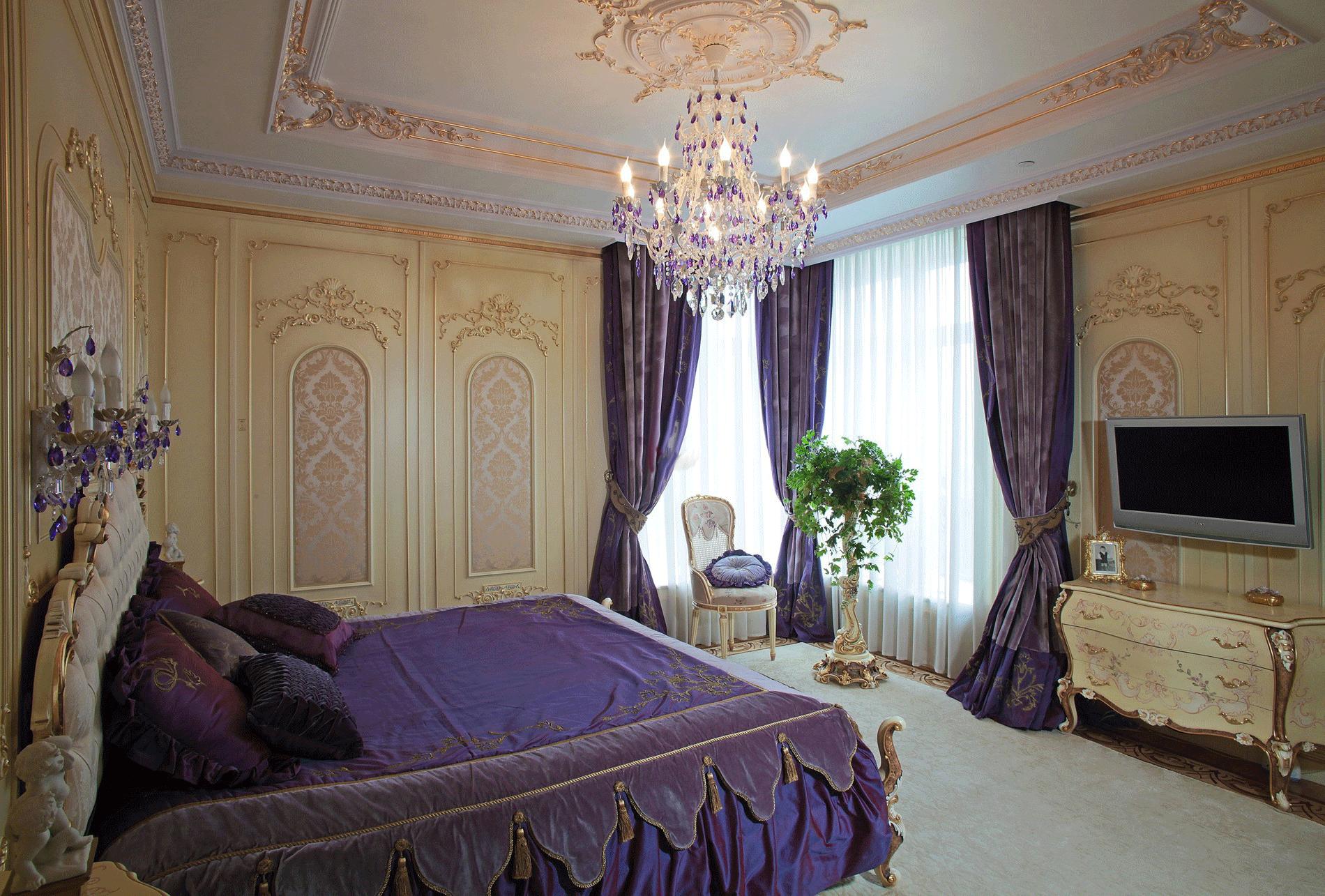 квартира в стиле барокко фиолетового цвета
