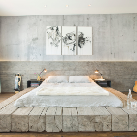 ламинат на стене в спальне декор