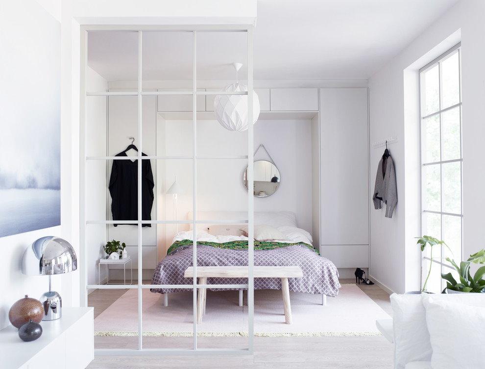 Спальная зона в двухкомнатной квартире площадью 60 кв м
