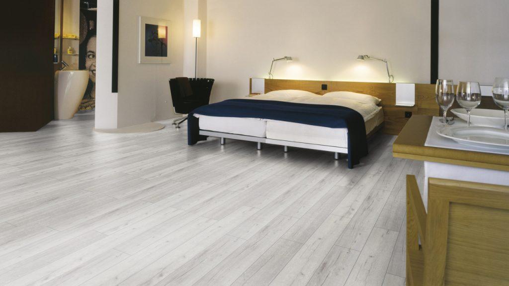 линолеум для спальной комнаты интерьер фото