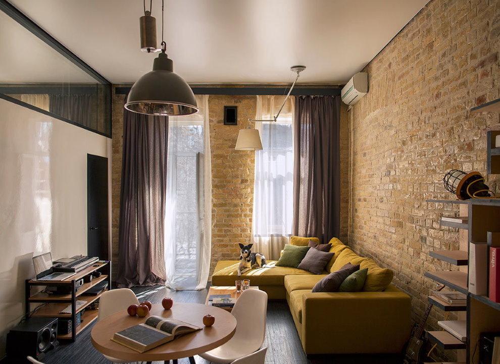 Кирпичная стена гостиной в стиле лофта
