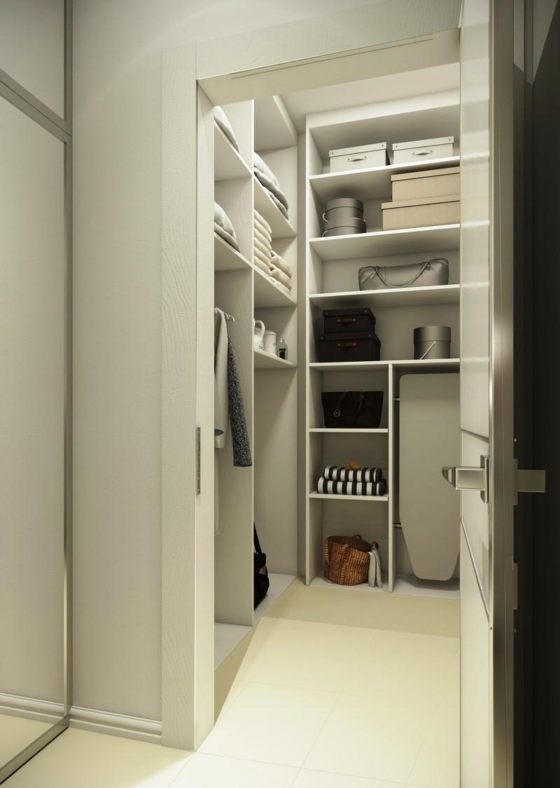 маленькая гардеробная комната с белыми полками