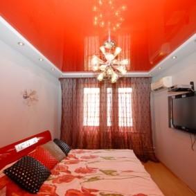 натяжные потолки в спальне фото видов