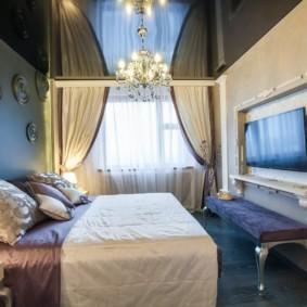 натяжные потолки в спальне виды оформления