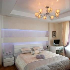 натяжные потолки в спальне декор фото
