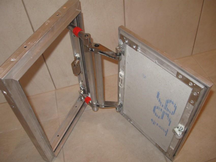 Стальной люк под плитку с оцинкованным корпусом