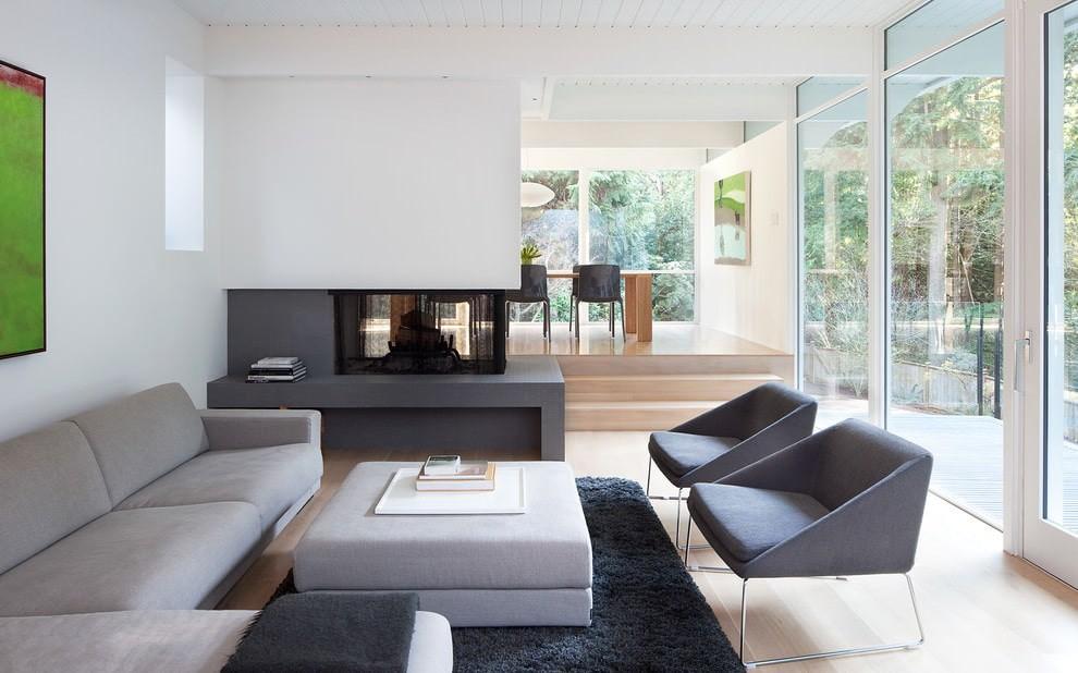 Оформление окон в гостиной стиля минимализм