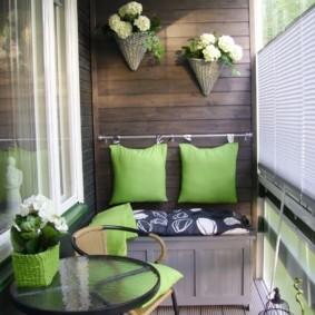 отделка балкона в квартире интерьер