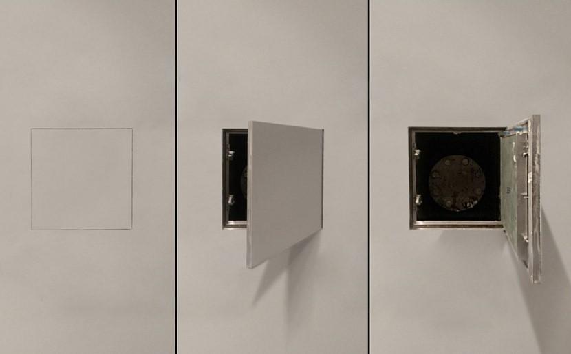 Три положения скрытого люка в стене ванной комнаты