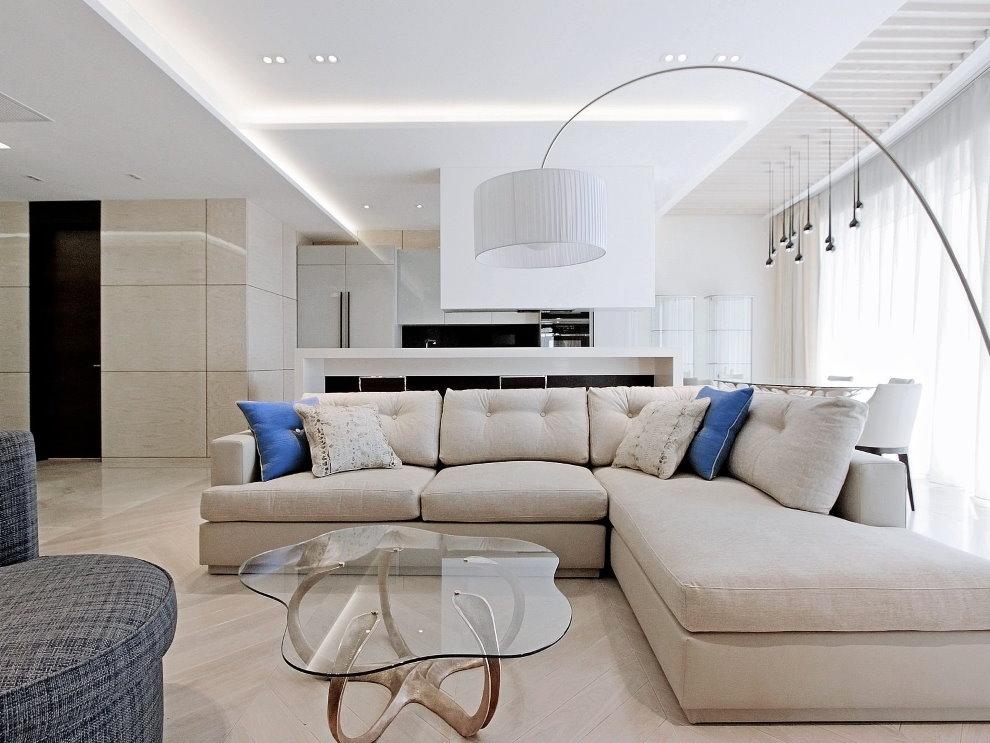 Дизайн зала с белым потолком из гипсокартона