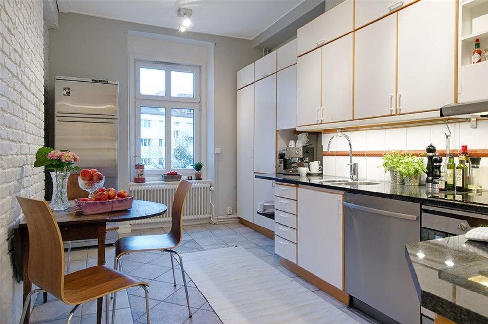 Просторная кухня в трешке площадью в 100 квадратов