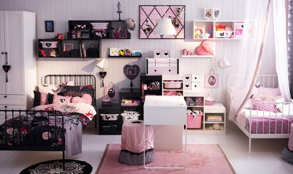 Две кровати в комнате для разнополых детей
