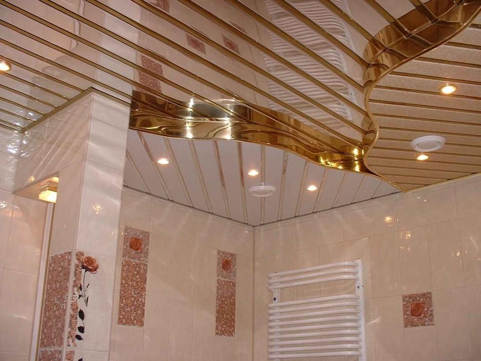 Двухуровневый потолок из алюминиевых реек