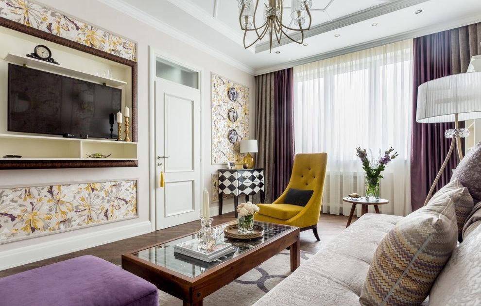 Кресло с высокой спинкой в гостиной неоклассического стиля