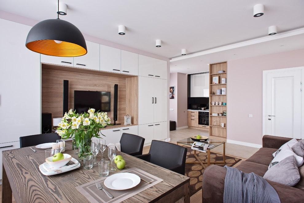 Корпусная мебель в гостиной небольшой квартиры