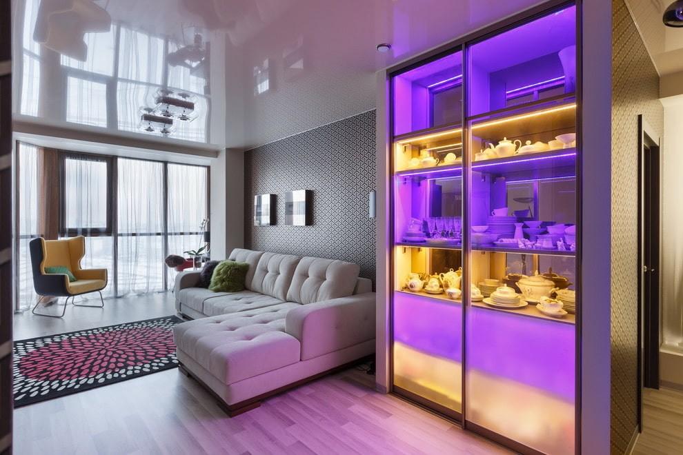 Шкаф-купе для посуды с подсветкой