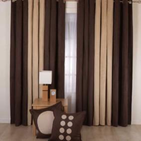 шторы на люверсах в гостиную интерьер