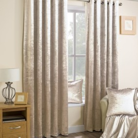 шторы на люверсах в гостиную идеи оформления