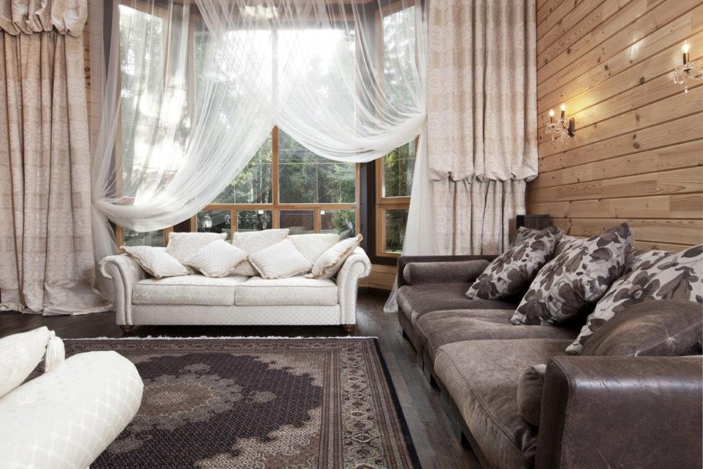 Шторы для гостиной в деревянном доме