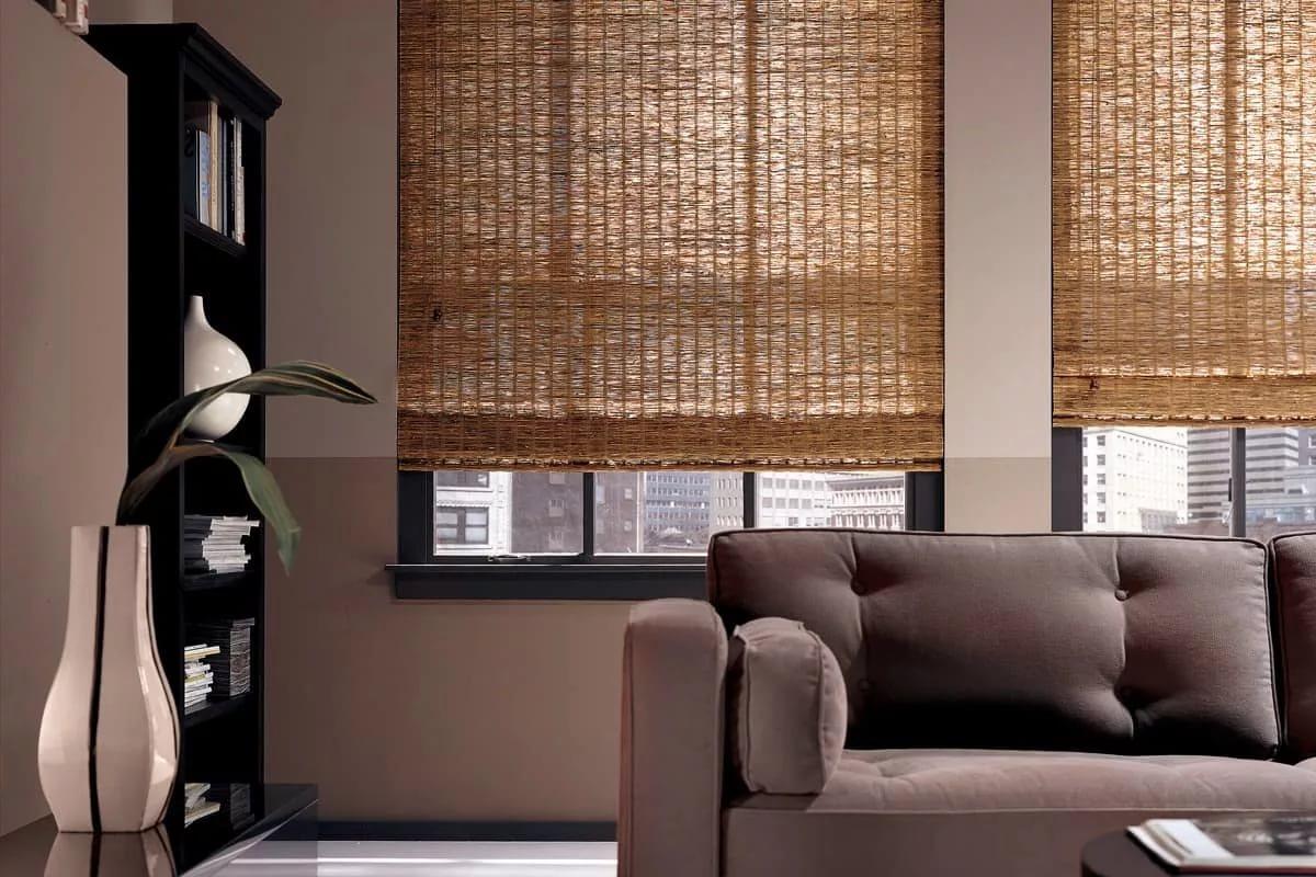 шторы в зал на два окна бамбуковые
