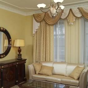 шторы в зал на два окна интерьер оформление