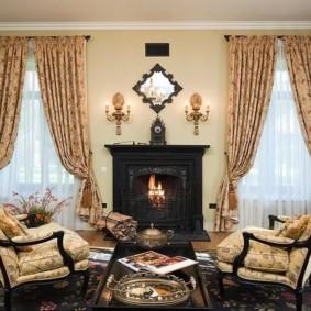шторы в зал на два окна интерьер варианты