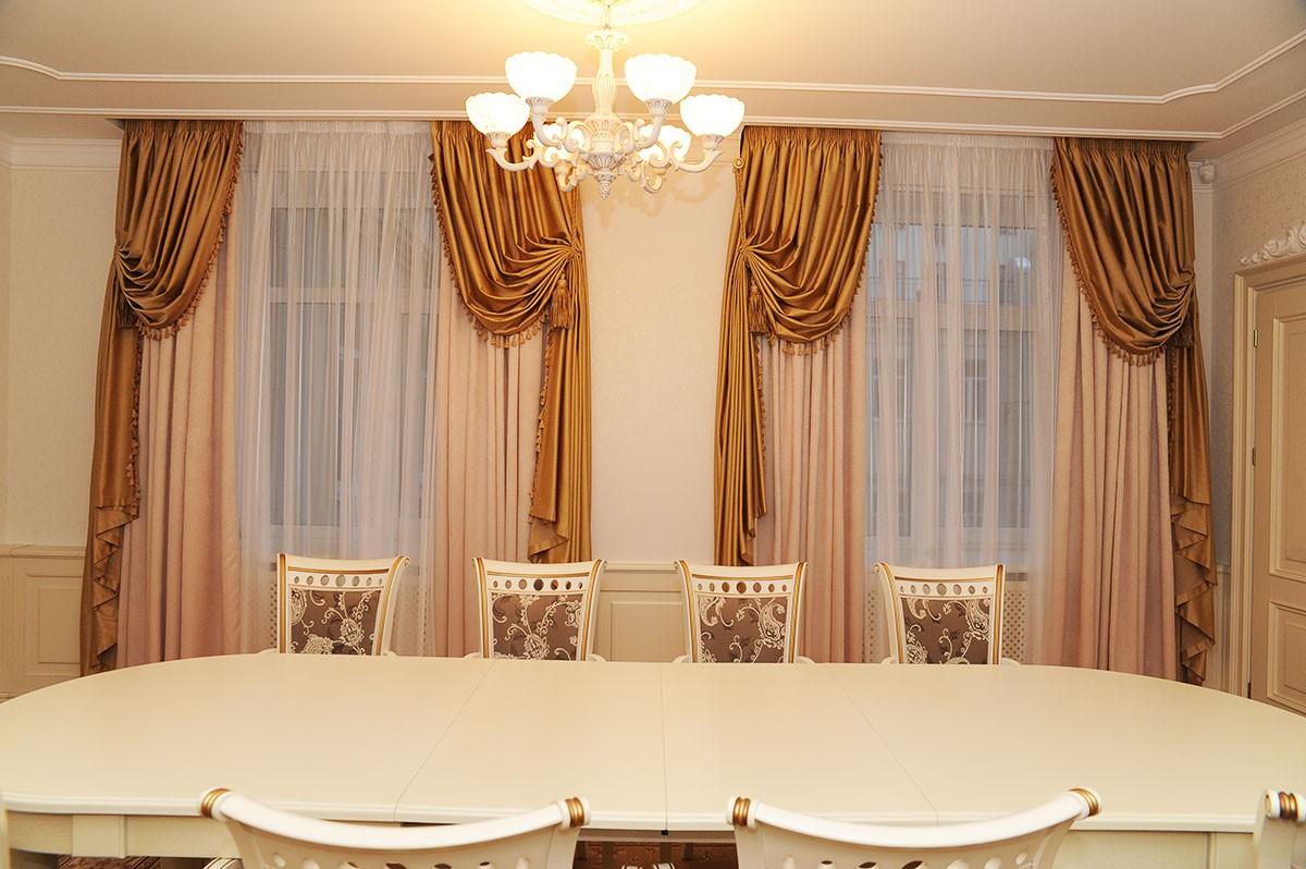 шторы в зал на два окна итальянские
