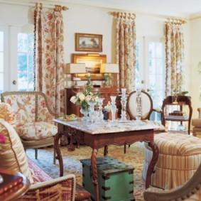 шторы в зал на два окна варианты