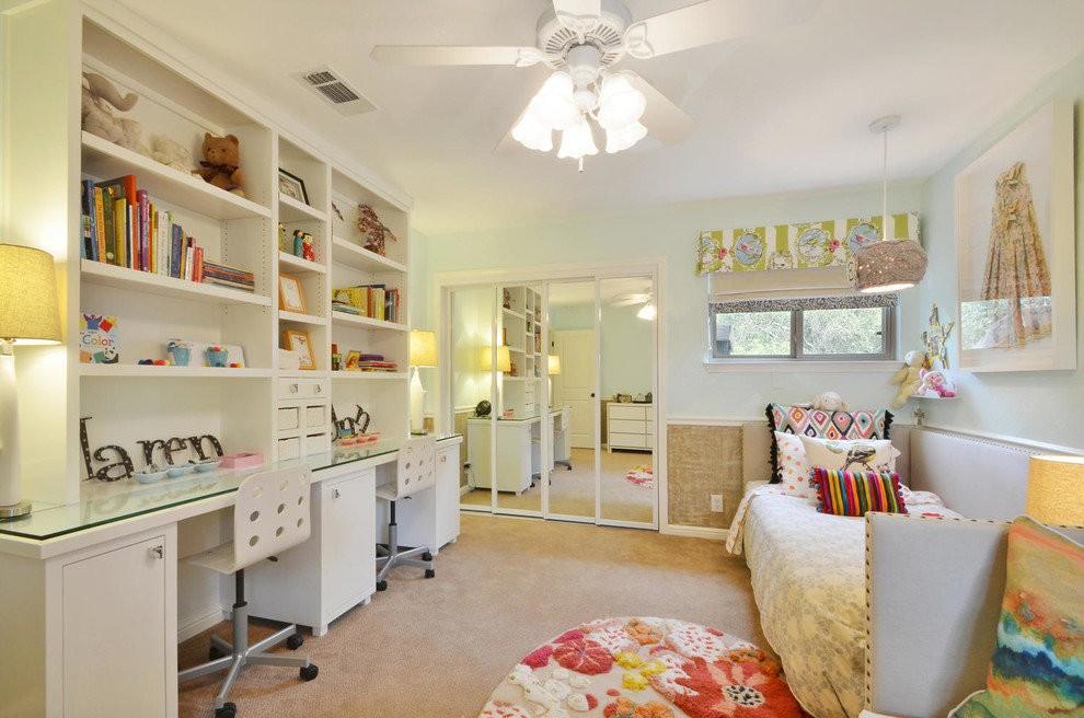 Светлая детская комната для девчонок