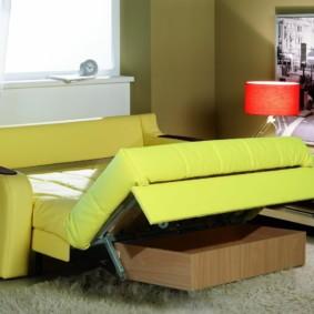 спальная комната с диваном декор фото
