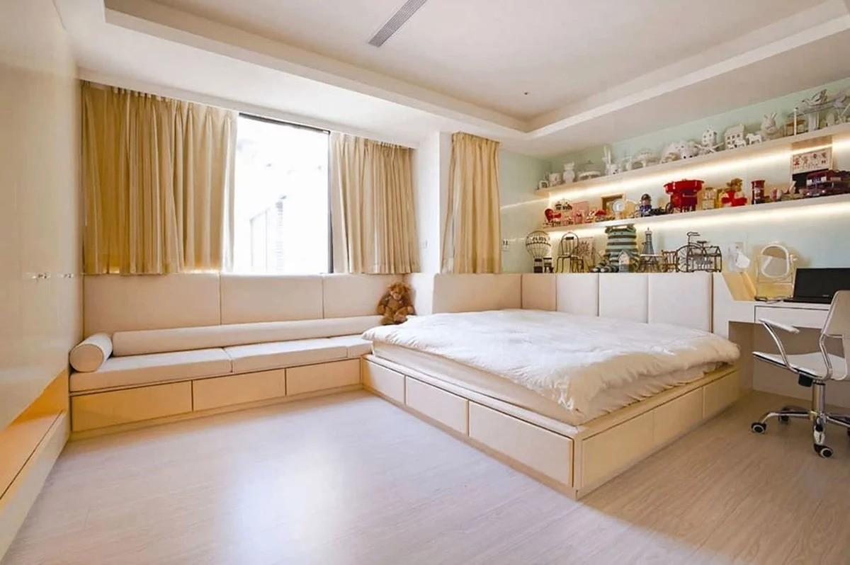 как поставить двуспальную кровать в зале фото всегда общение