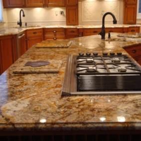 стол из искусственного камня на кухню виды фото