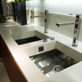 стол из искусственного камня на кухню виды идеи