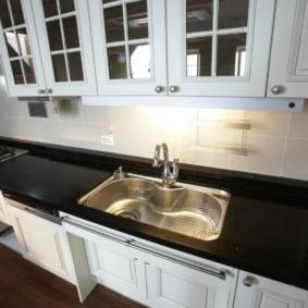 стол из искусственного камня на кухню виды декора