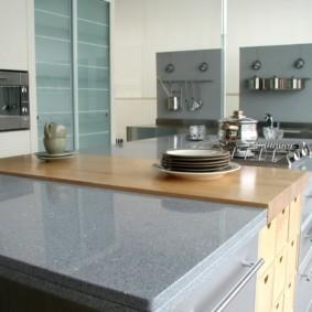 стол из искусственного камня на кухню виды оформления