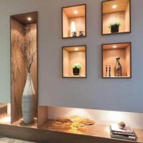 Декоративная подсветка ниш в стене зала